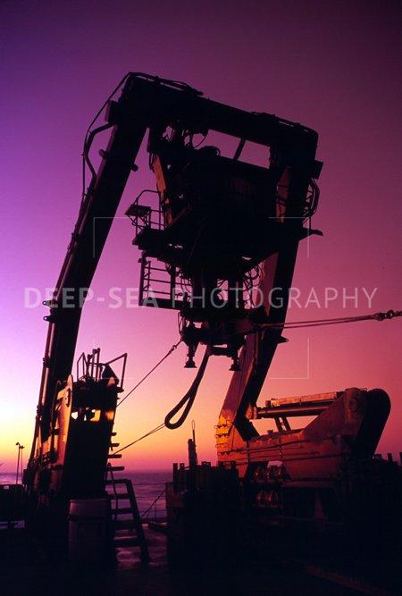 alvin sub crane