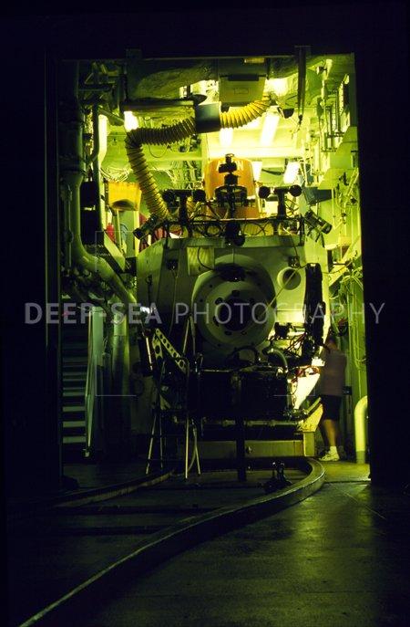 alvin sub in hangar